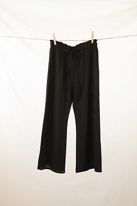Black high-waisted pant