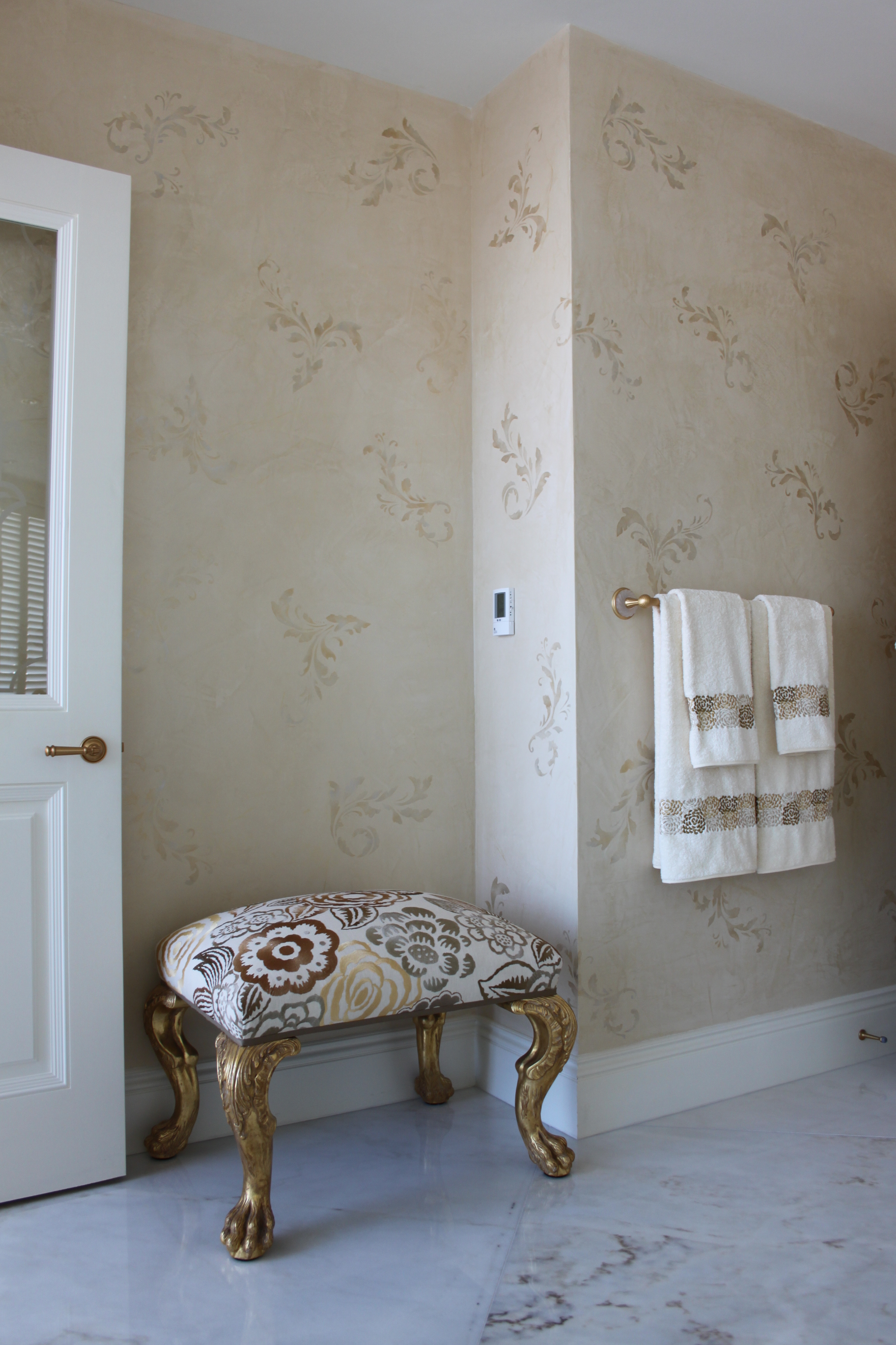 Metallic stencilled venetian plaster