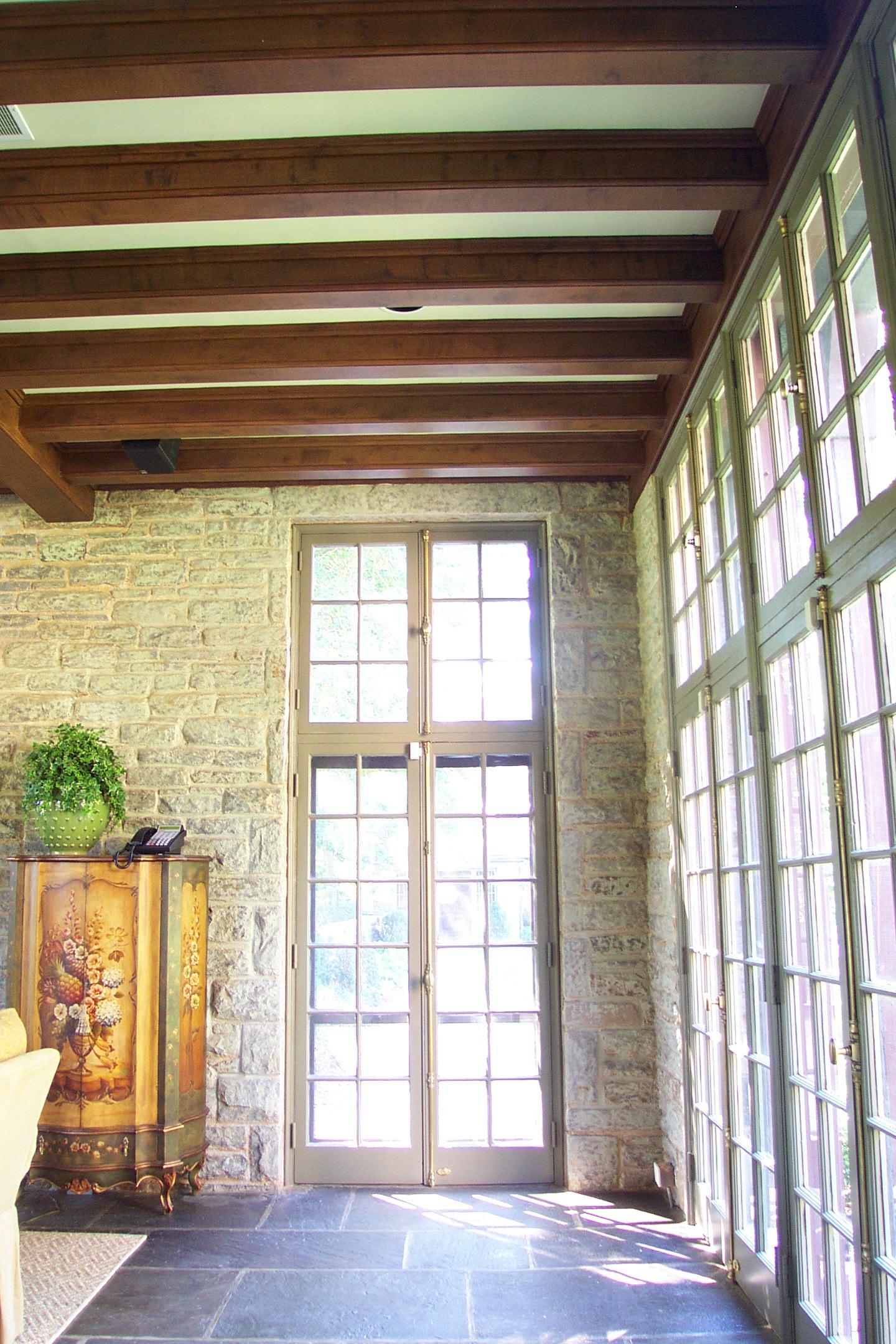 Woodgrain on beams