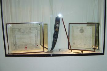 Diplomas e faixa do Suprême Conseil de France