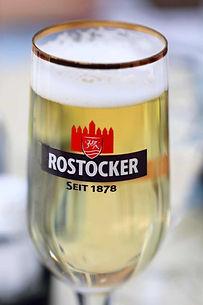 Bier im Hafen von Karlshagen