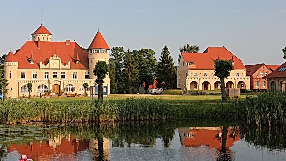 Schloss am Haff End.jpg