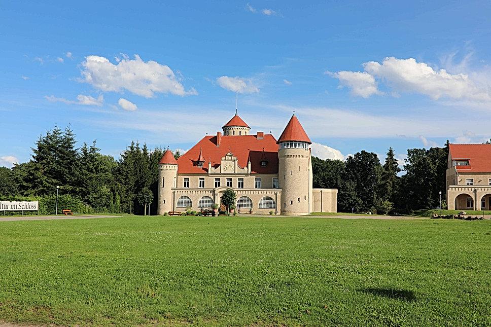 Schloss-Stolpe-Usedom_edited.jpg
