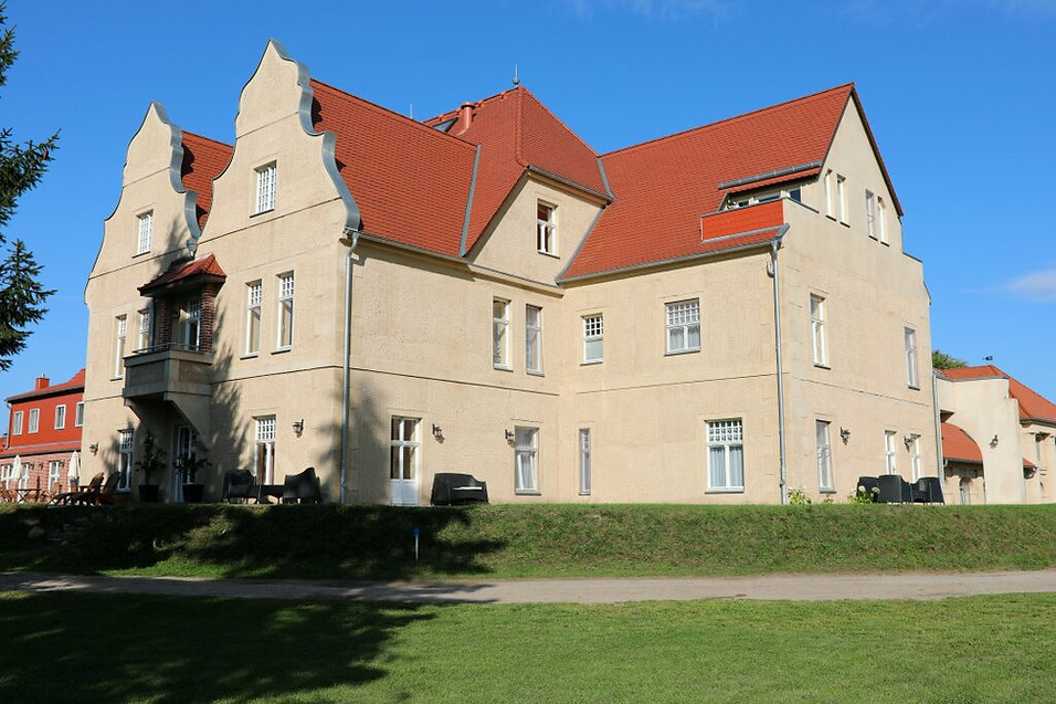 Schloss am Haff Westflügel Schloss Stolpe. Robert Pemmann