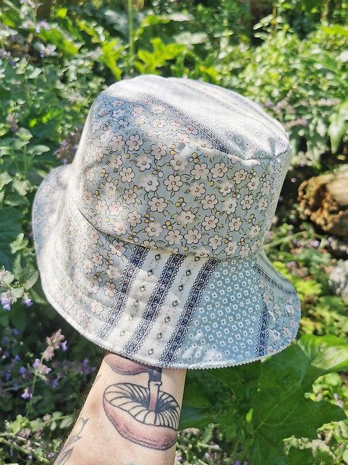 "Reversible Vintage Ditsy Floral Bucket Hat - 21""-22"""