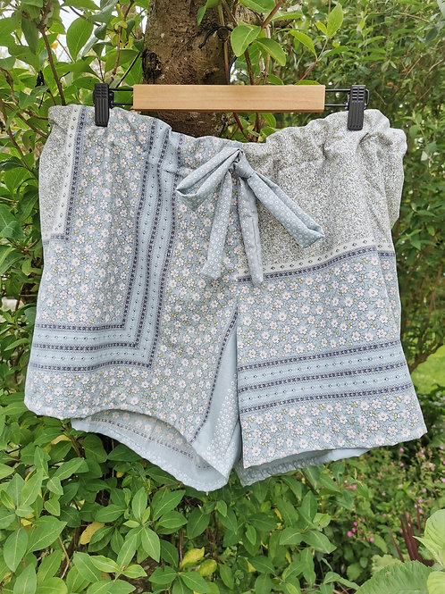Vintage Floral Shorts - 4XL