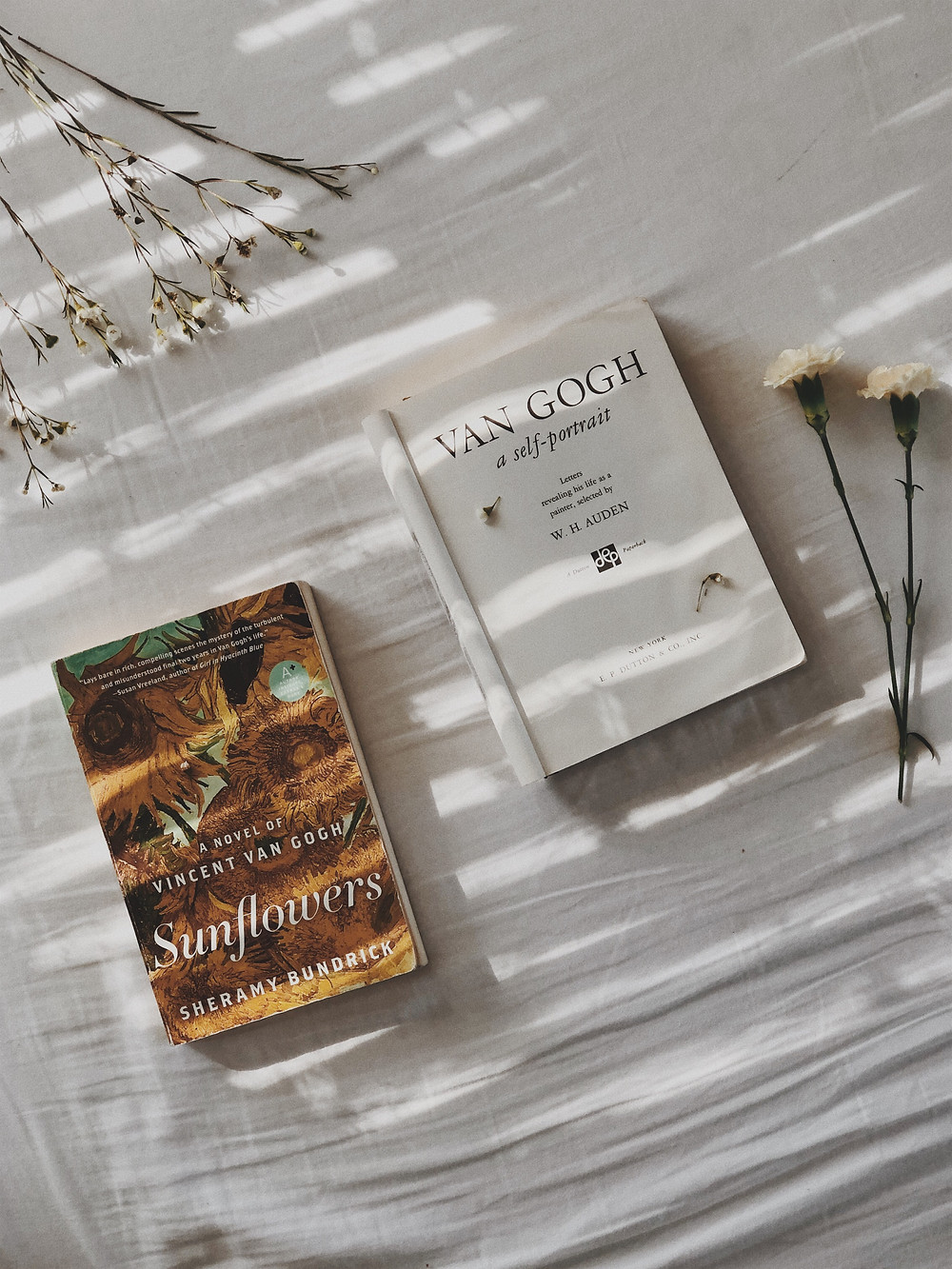 pretty pinterest book flatlay wildflowers floral dainty vincent van gogh sunflowers dreamy bookish aesthetic