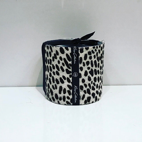 GUEPARD BLACK / WHITE HANDMADE CANDLE 8CM