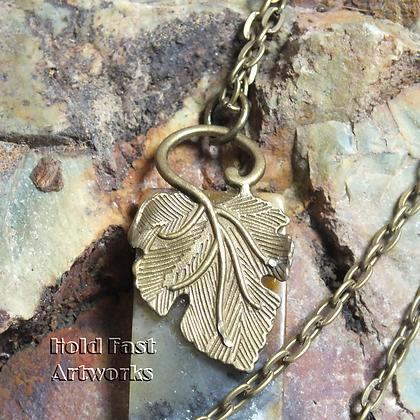 FALLEN Agate Pendant Necklace