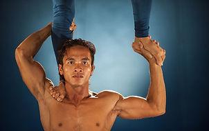 handstand-2537258_1280.jpg
