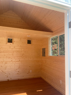 12W x 10D RANCHER STYLE SHED INTERIOR