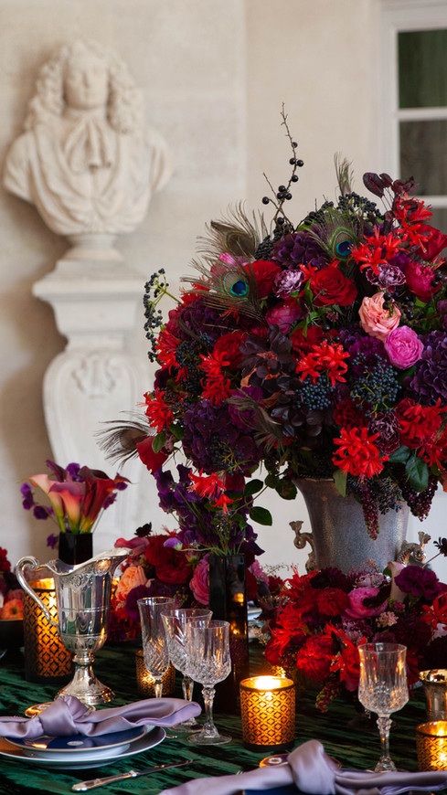Hand chosen by the Ritz Paris, Baccarat, Chanel and others, Anne Vitchen is a master of decadent floral arrangements. She is a popular choice for high profile events. Her style is unique and she stands out as the gem of Paris.