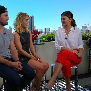 The Green Arrow (Stephen Amell, Emily Bett Rickards) ITW by Kristin Dos Santos - Comic Con - TV