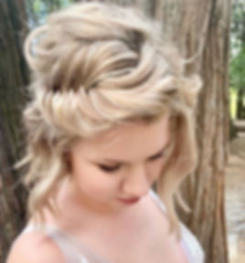 B R I D E ⠀_⠀_⠀_⠀_⠀_⠀_⠀_⠀_⠀_⠀_ #haircolorist #dimension  #beachwaves  #hairenvy #bride #bridal  #blo