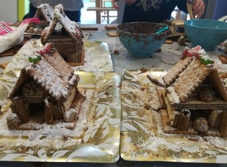 HANDS-ON GINGERBREAD BISCUIT-HOUSES!!
