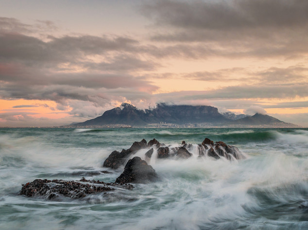 Table Mountain before the storm