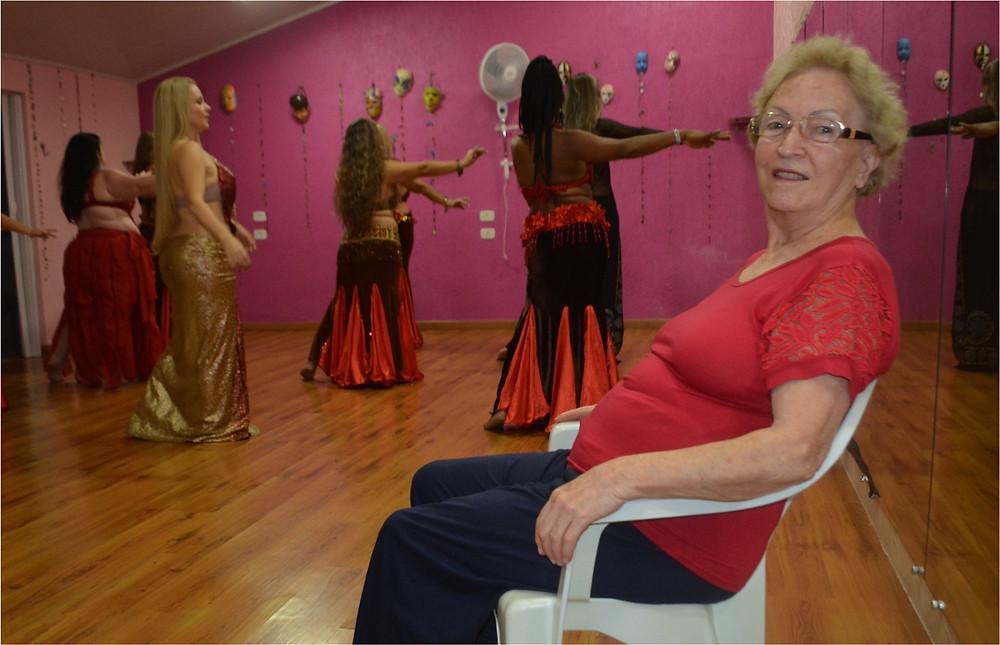 Diva Straub Leite em matéria sobre Dança do Ventre, de Drika Rodrigues, na Revista Top da Cidade, de Itapetininga