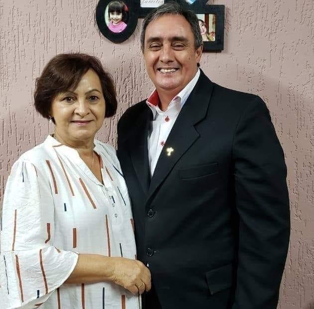 Pastora Solange Lima e Pastor José Jorge de Lima, da 1ª Igreja do Evangelho Quadrangular, da região 580, de Itapetininga, em foto para matéria da Revista Top da Cidade, Edição 54, em Itapetininga