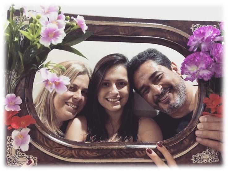 Gisele, com seus pais Waldecléia Camargo Rodrigues e Gentil Tereziano Rodrigues