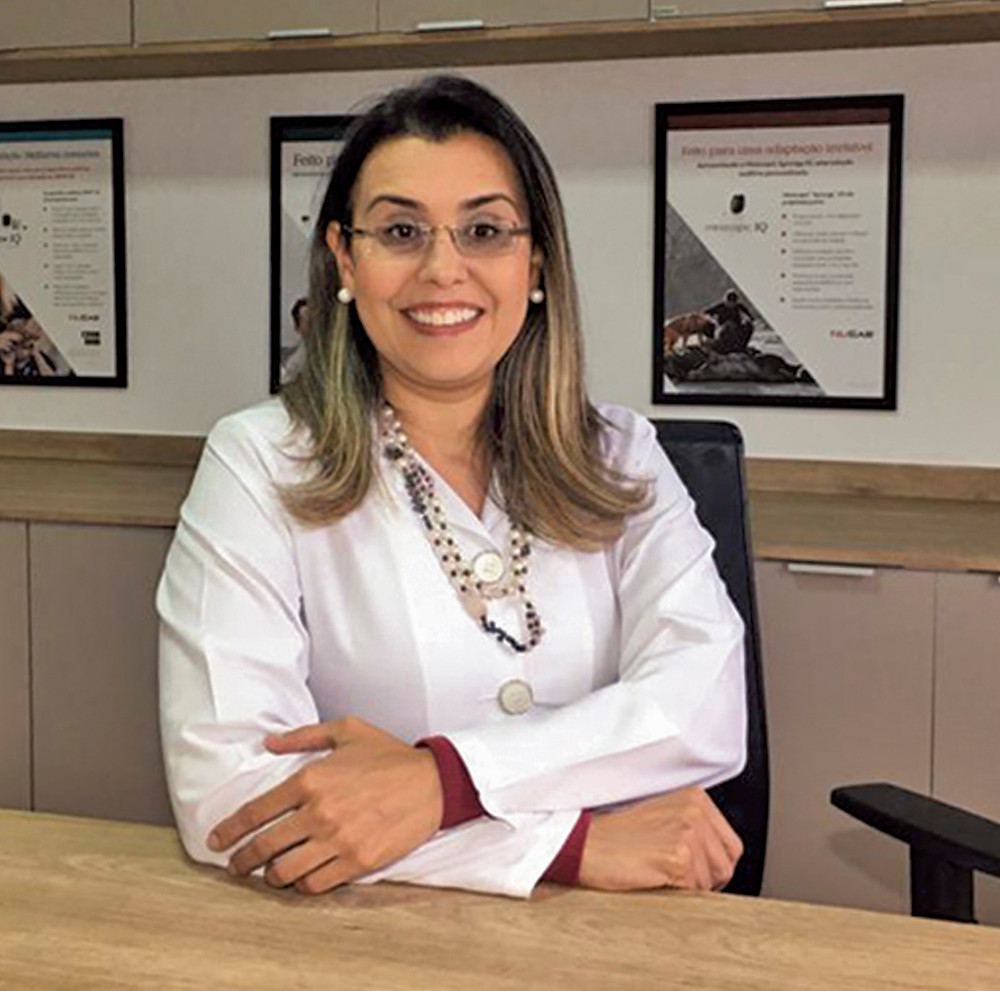 Káscia Mendonça, Fonoaudióloga especialista, responsável pela Ouvitec em Itapetininga, em matéria para a Revista Top da Cidade, Edição 55