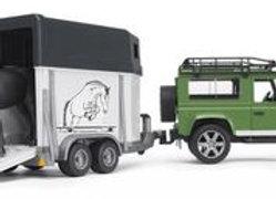 BR1:16 Land Rover Defender Station Wagon w/Horse Trailer & 1