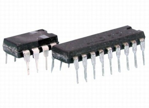 SMD IC PIC16F628A-20/SM SO18 PK5