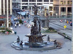 1200px-Cincinnati-fountain-square-full.j