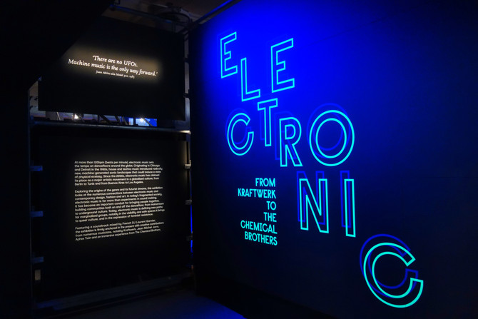 Electronic : From Kraftwerk to the Chemical Brothers