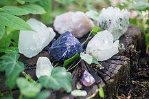 crystals-1567953_640.jpg