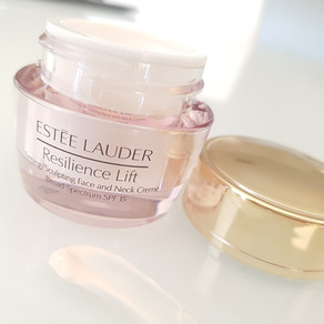 Review - Estée Lauder Resilience Lift (and how it compares to Advanced Time Zone)