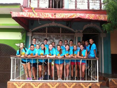 Campamento at Fútbol Sin Fronteras