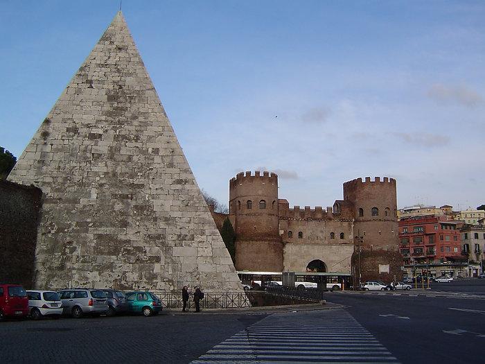 Porta_San_Paolo_-_Piramid_Cestius.JPG
