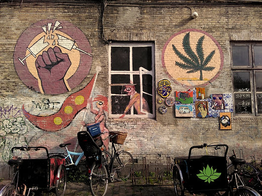 Mural_in_Christiania_against_hard_drugs.