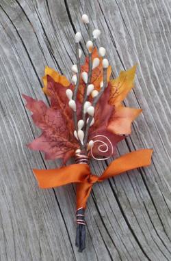 autumn wedding boutonniere.jpg