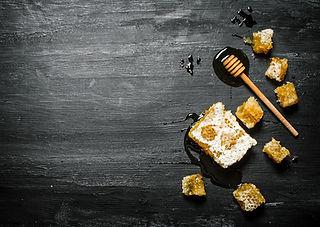 Manuka-Honey-New-Zealand.jpg