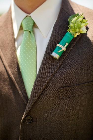 rustic weding buttonhole.jpg