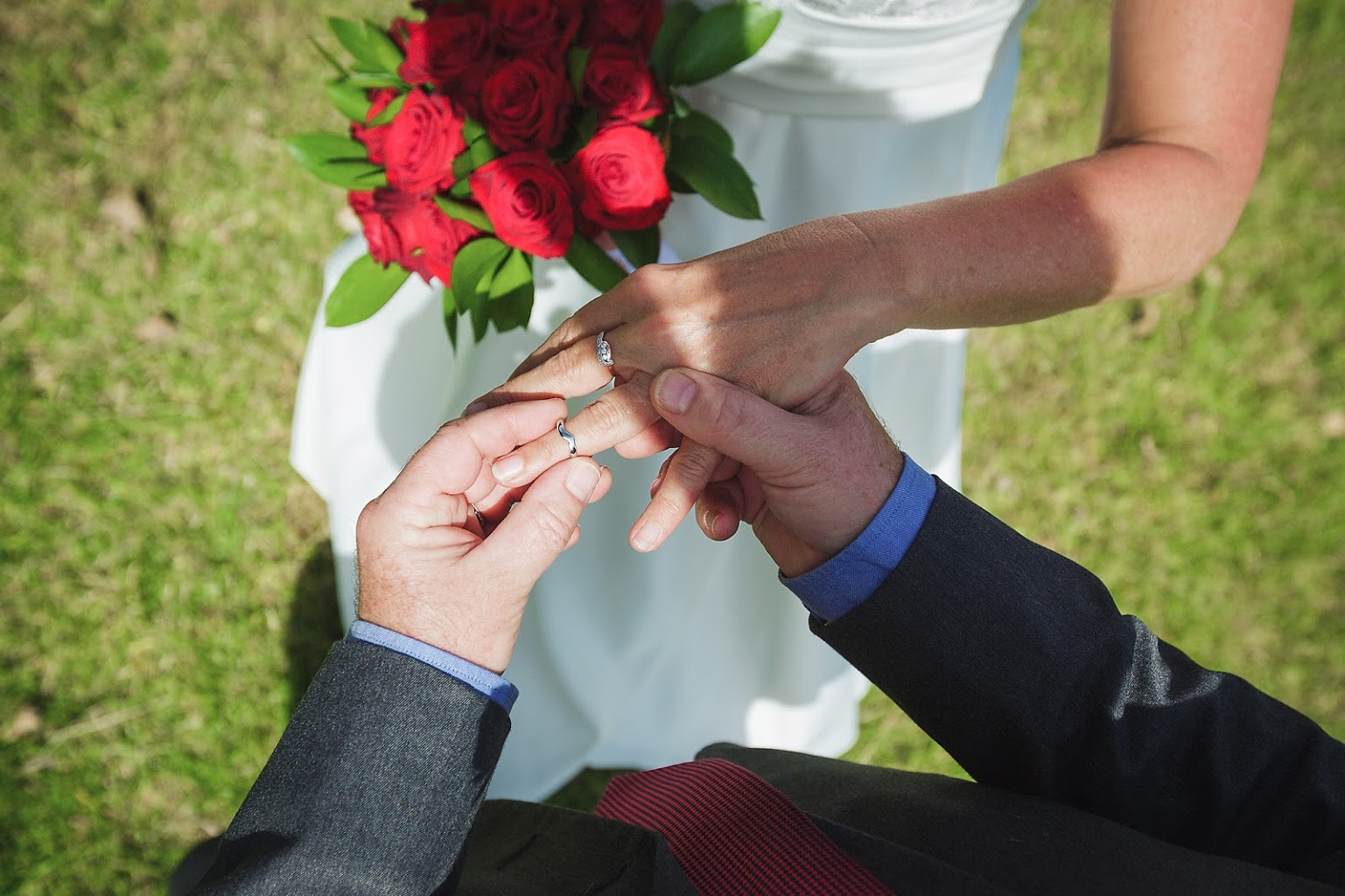 Ring eschange Elopement wedding.jpg