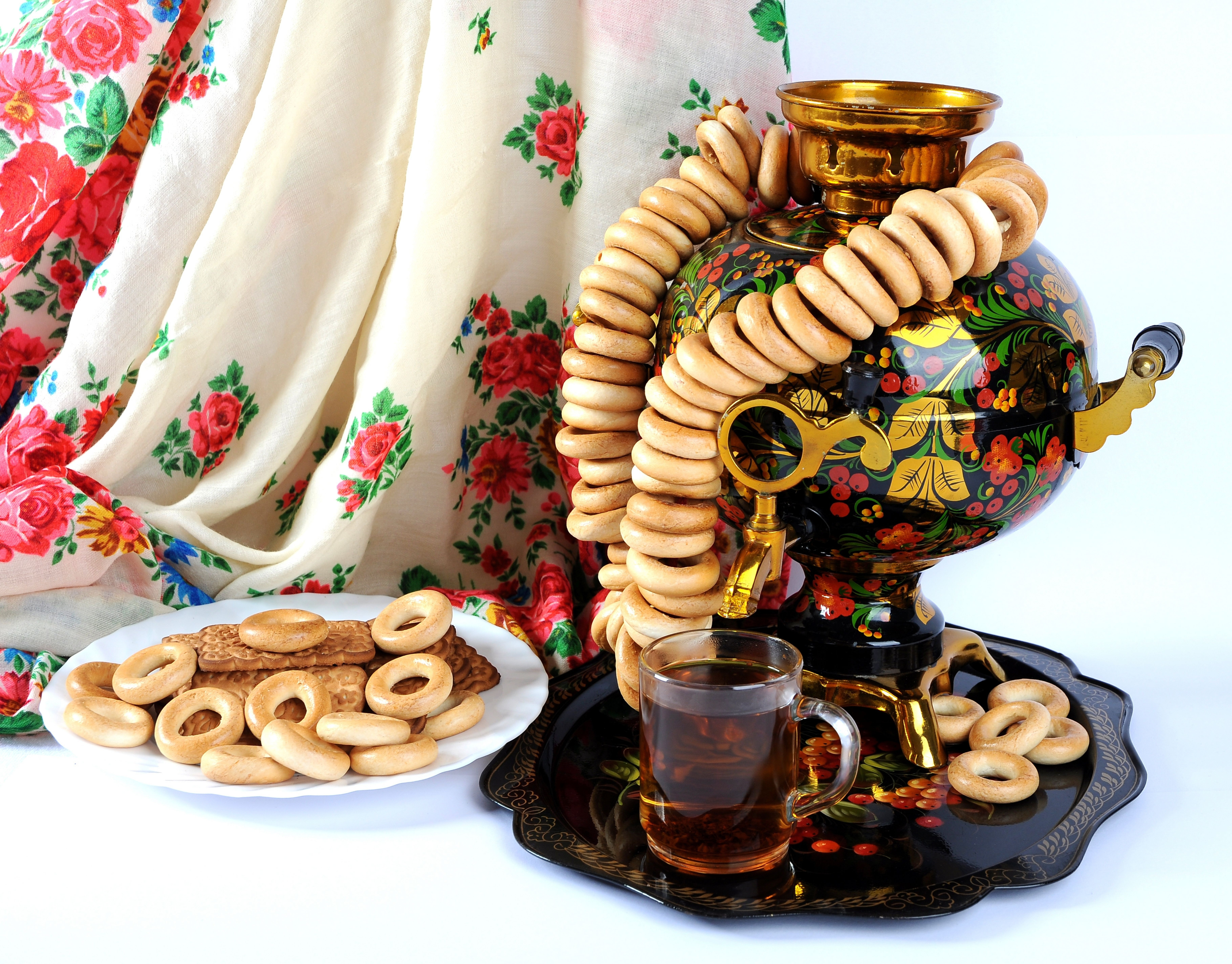 russian themed  wedding decor tea pot.jpg