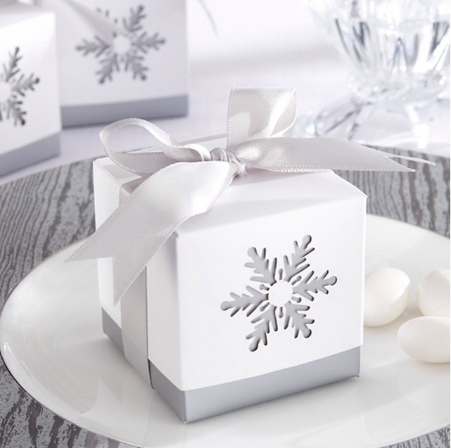 winter_wedding_favour.png