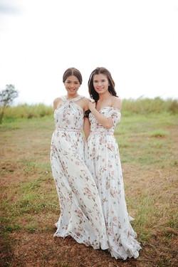 rustic  weding  bridemaids.jpg