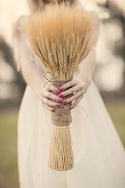 rustic wedding bridal bouqet.jpg