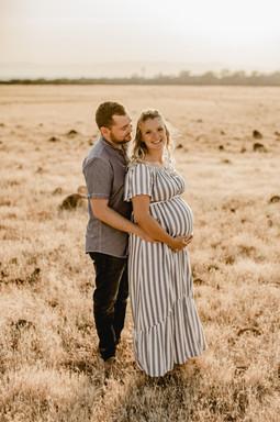 Shelby and Joshua Maternity (243).jpg