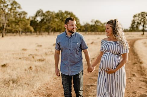 Shelby and Joshua Maternity (220).jpg