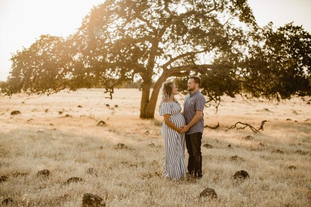 Shelby and Joshua Maternity (222).jpg