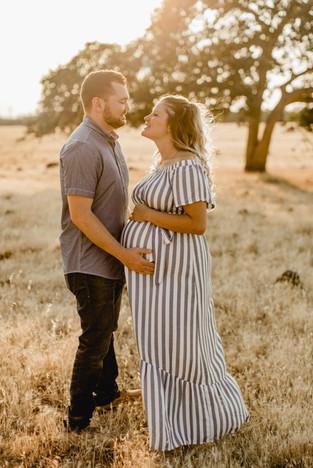 Shelby and Joshua Maternity (231).jpg