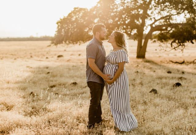 Shelby and Joshua Maternity (227).jpg