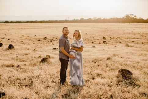 Shelby and Joshua Maternity (237).jpg