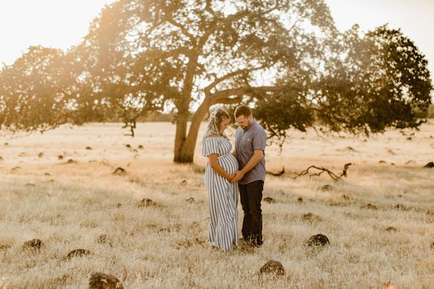 Shelby and Joshua Maternity (223).jpg