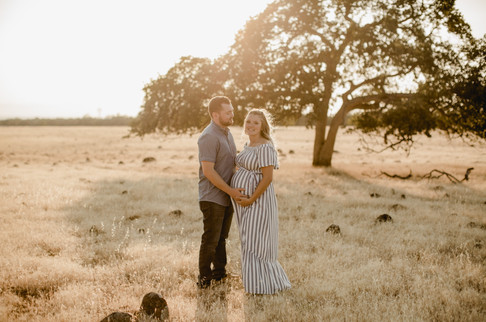 Shelby and Joshua Maternity (225).jpg