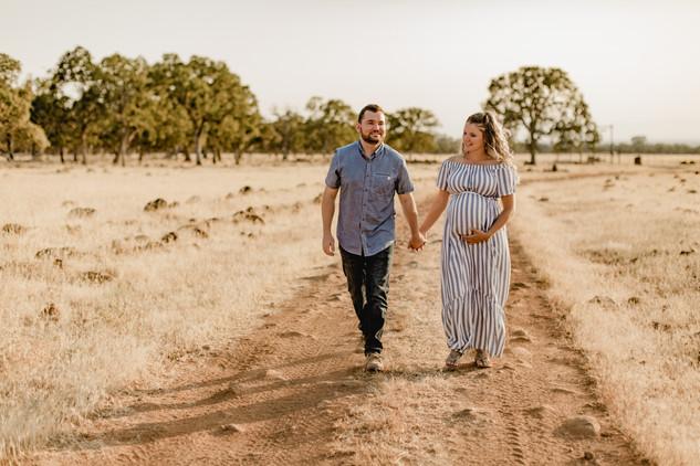 Shelby and Joshua Maternity (218).jpg